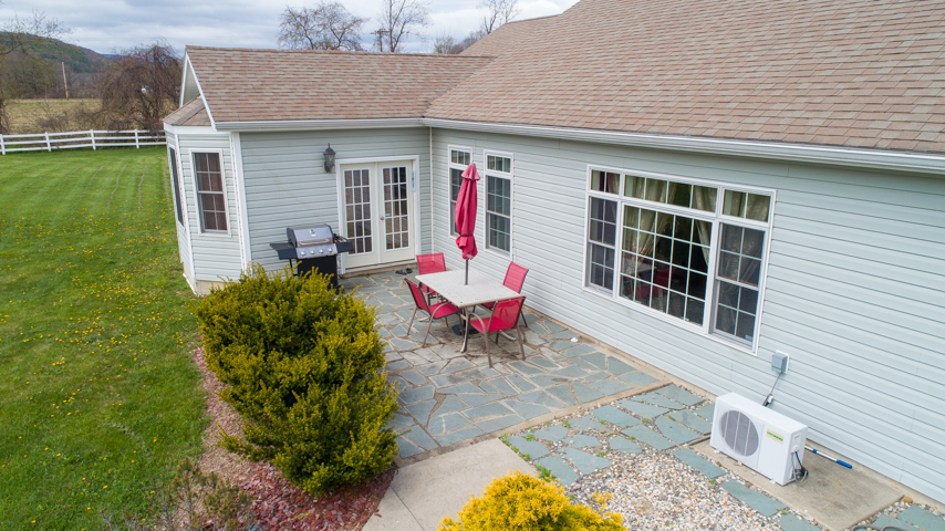 1725 Tarrytown Rd MLS-0095